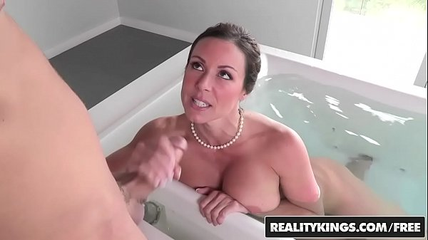 RealityKings - Mothers Bang Teenagers - Look And Be taught