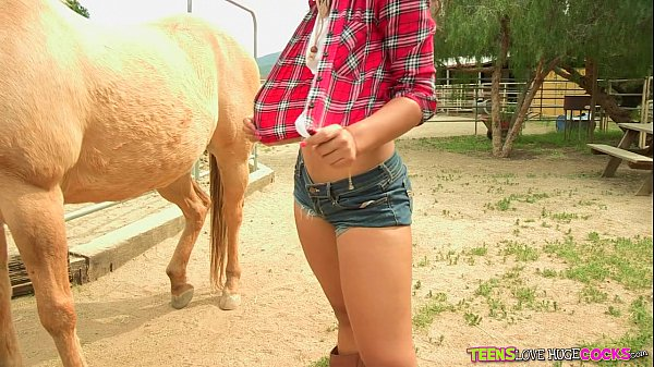 Teenagers Loves enormous Cocks - Freaky young teen will get pounded